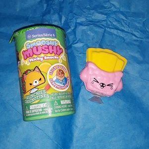 Smooshy Mushy Besties S6: Fara Fries